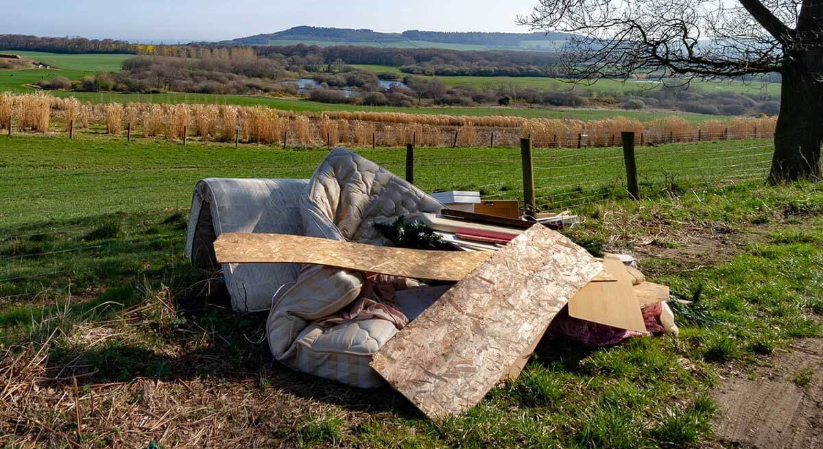 larger litter and flytipping
